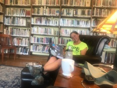 Virginia City was a bit of a tourist town. We were really relieved that they had such an awesome library. Free coffee, cookies an comfortable leatherbound chairs. They had games and puzzles on the table behind us